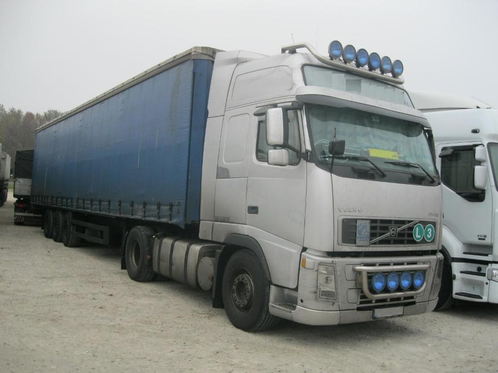 Volvo FH12 (2).JPG